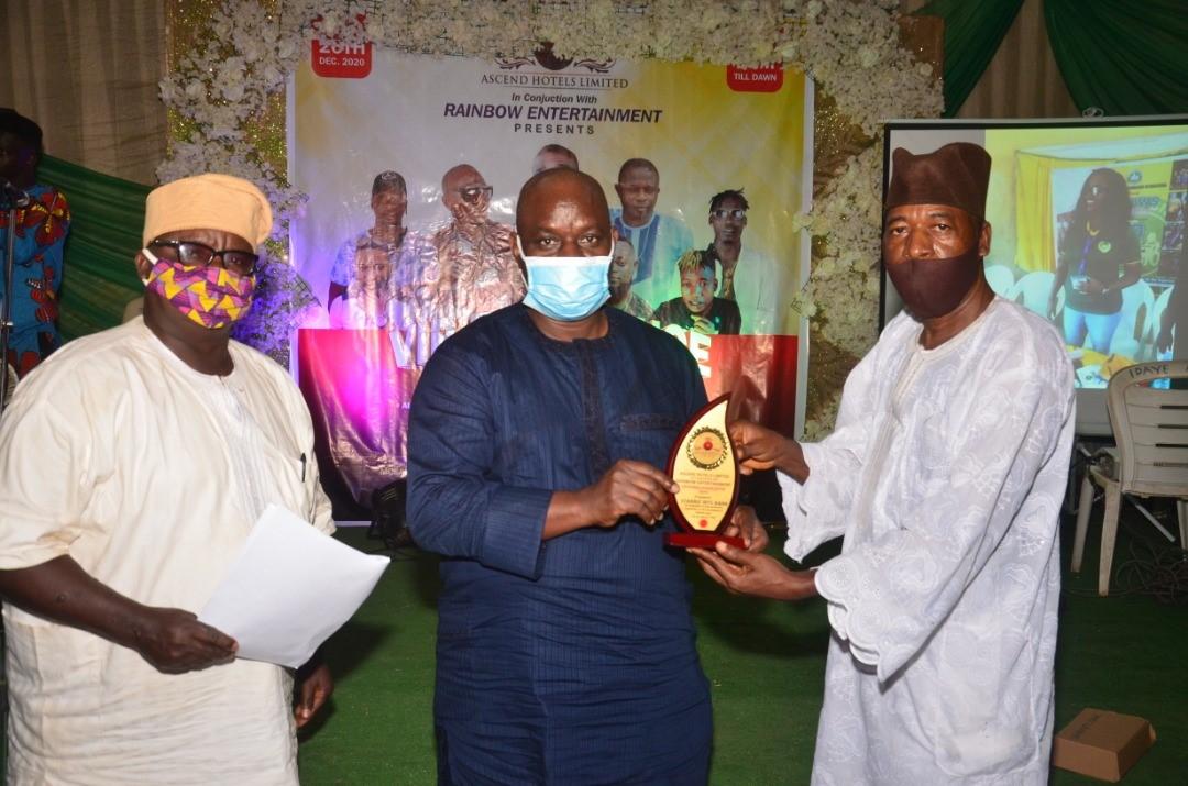 StanbicIBTC-Receives-Outstanding-Community-Service-Award